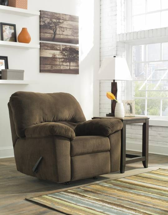 Ashley Dailey 3 Piece Living Room Set In Chocolate (95403