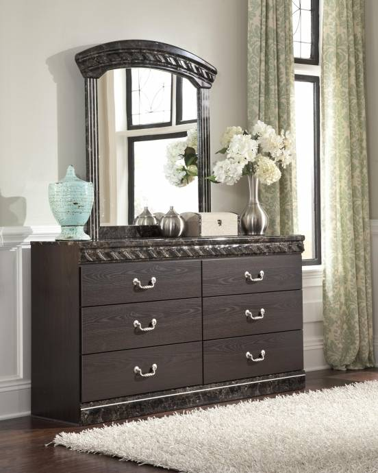 Buy Bedroom Set Online: Ashley Vachel B264 King Size Poster Bedroom Set 5pcs In