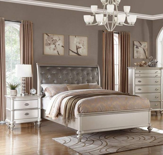 Online Purchase Furniture: Silver Beige Faux Leather Tufted Calif. King Bed F9317