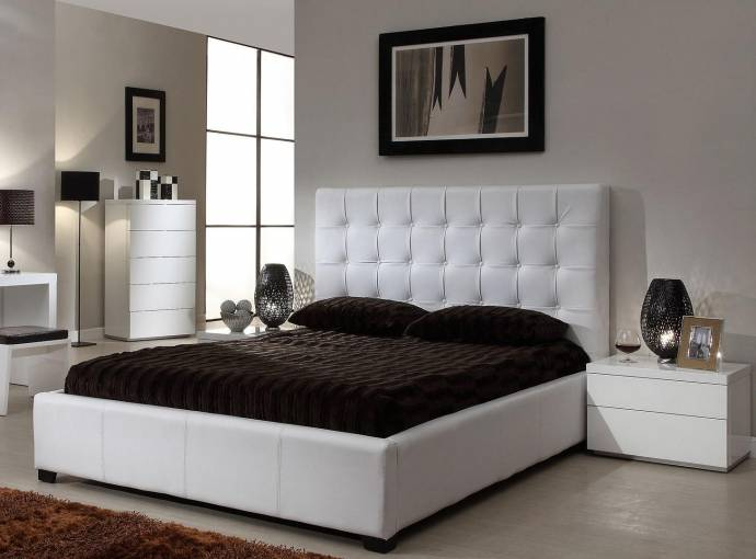 At Home Usa Athens White Tufted Fabric King Storage