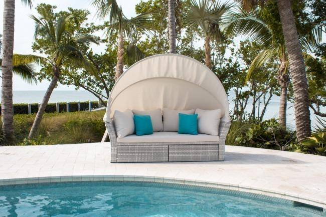 Santorini Canopy Daybed Amp 2 Ottomans W Cushions 895 1551