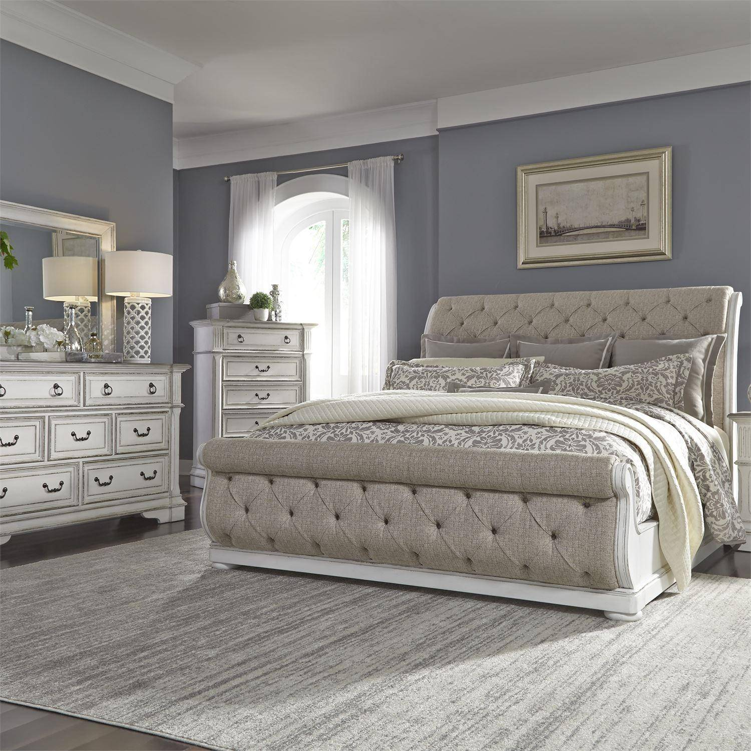 Antique White Finish Cal King Sleigh Bed Set 4pcs W Chest Abbey Park 520 Br Liberty Furniture 520 Br Csldmc