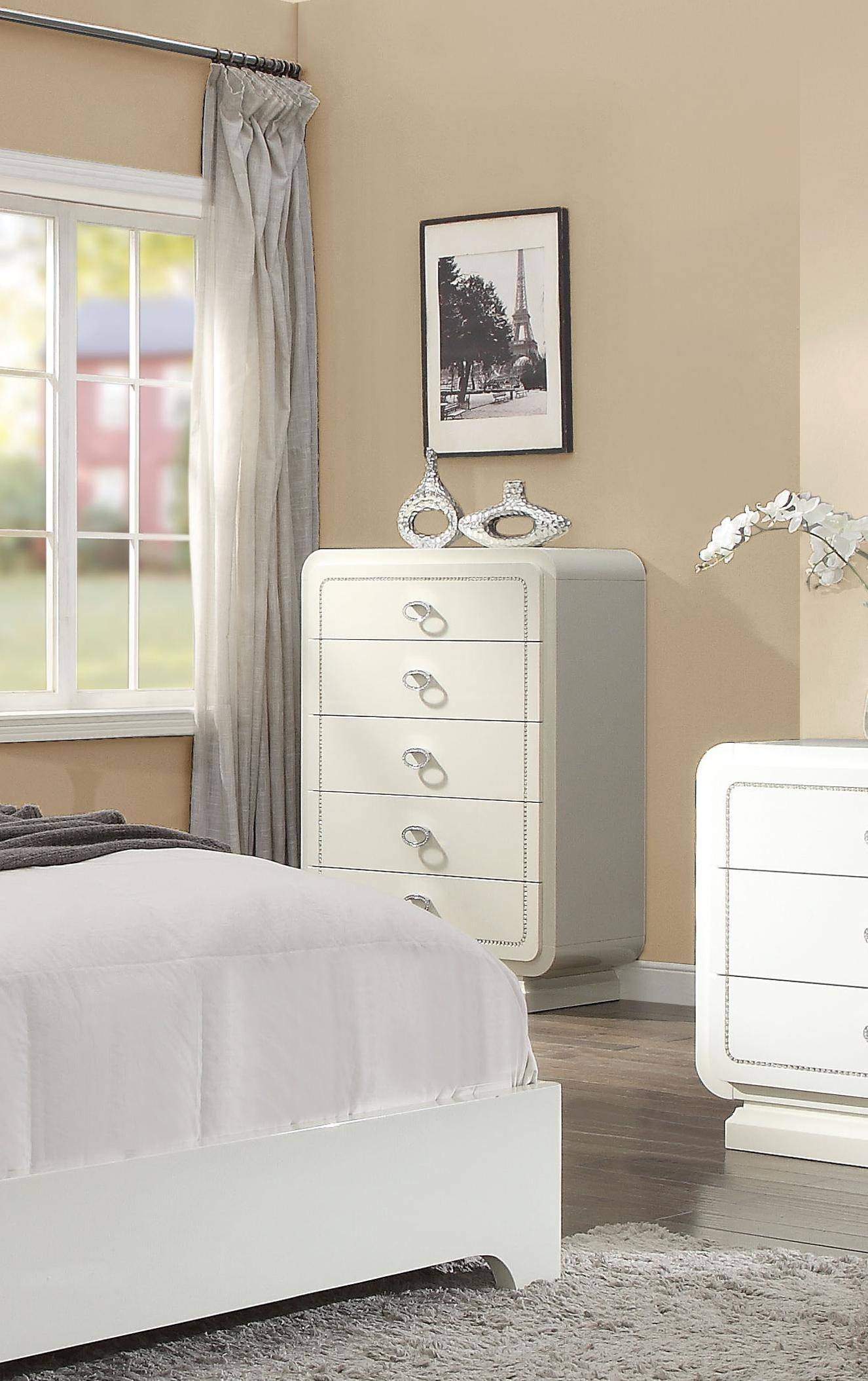 Bedroom Furniture High Resolution: Glam King Bedroom Set 5Pcs W/Chest PU/Ivory High Gloss