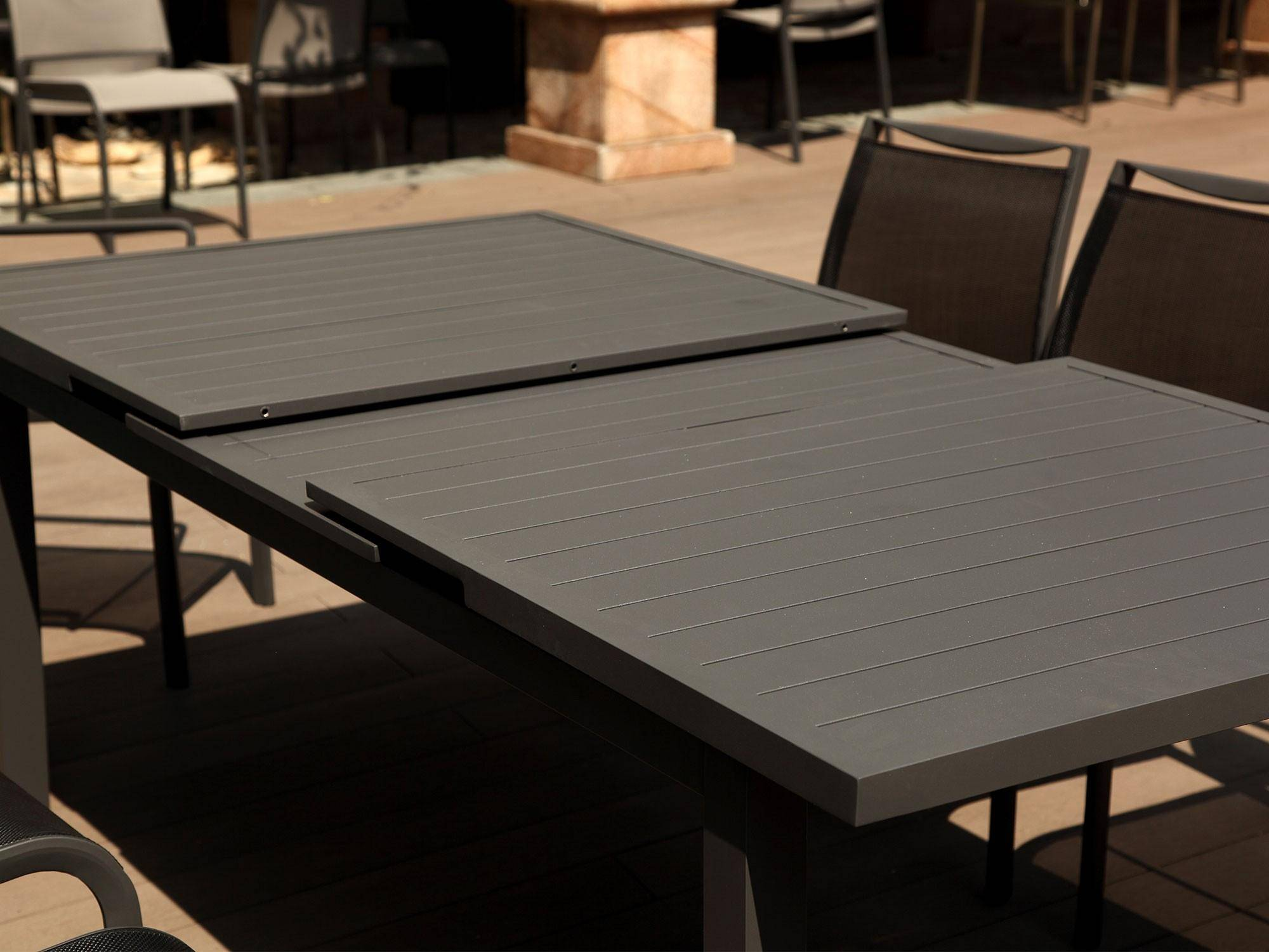 Outdoor Extendable Dining Table Grey
