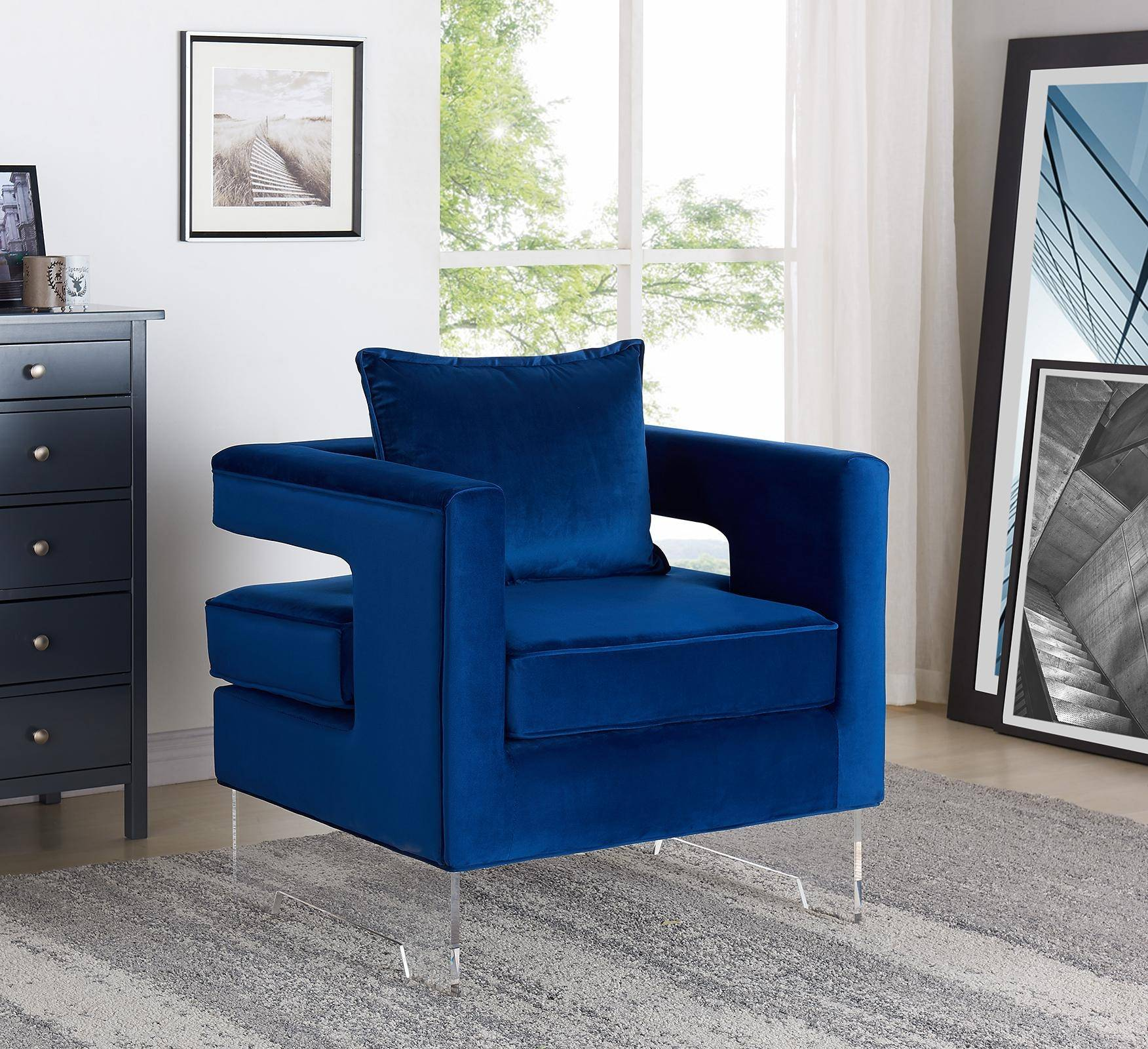 Review Liam Velvet Accent Chair Navy By Meridian Furniture: Meridian Furniture Carson Contemporary Navy Velvet Acrylic