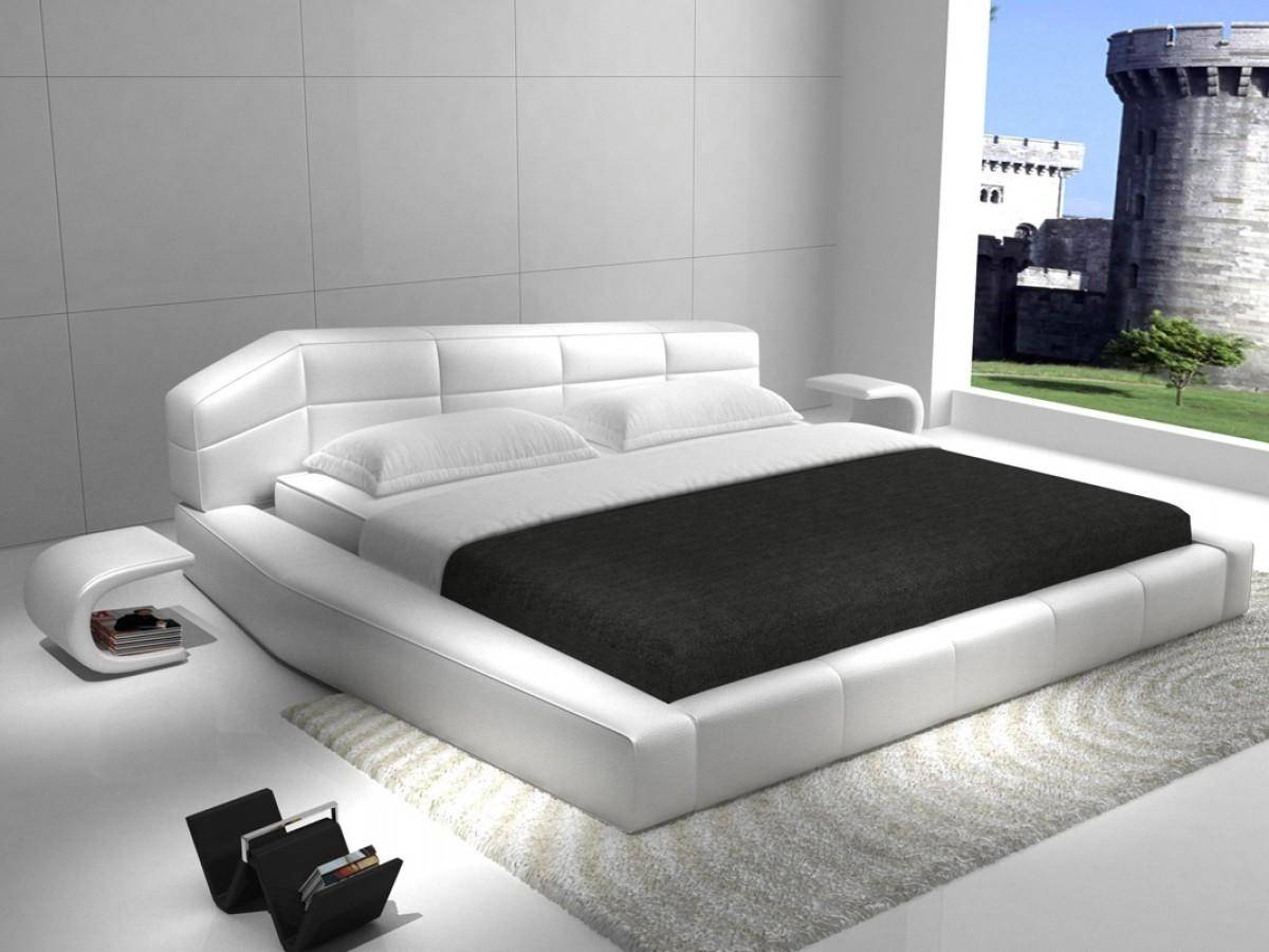 Picture of: White Faux Leather Galeton Upholstered Platform Queen Bed Ultra Contemporary Galeton Q Bed