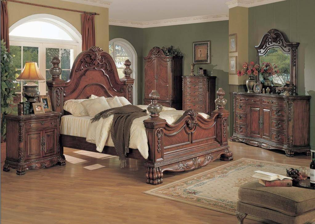 Kelsey Traditional Luxury Queen Poster Bed 4 piece Cherry Bedroom Furniture  Set